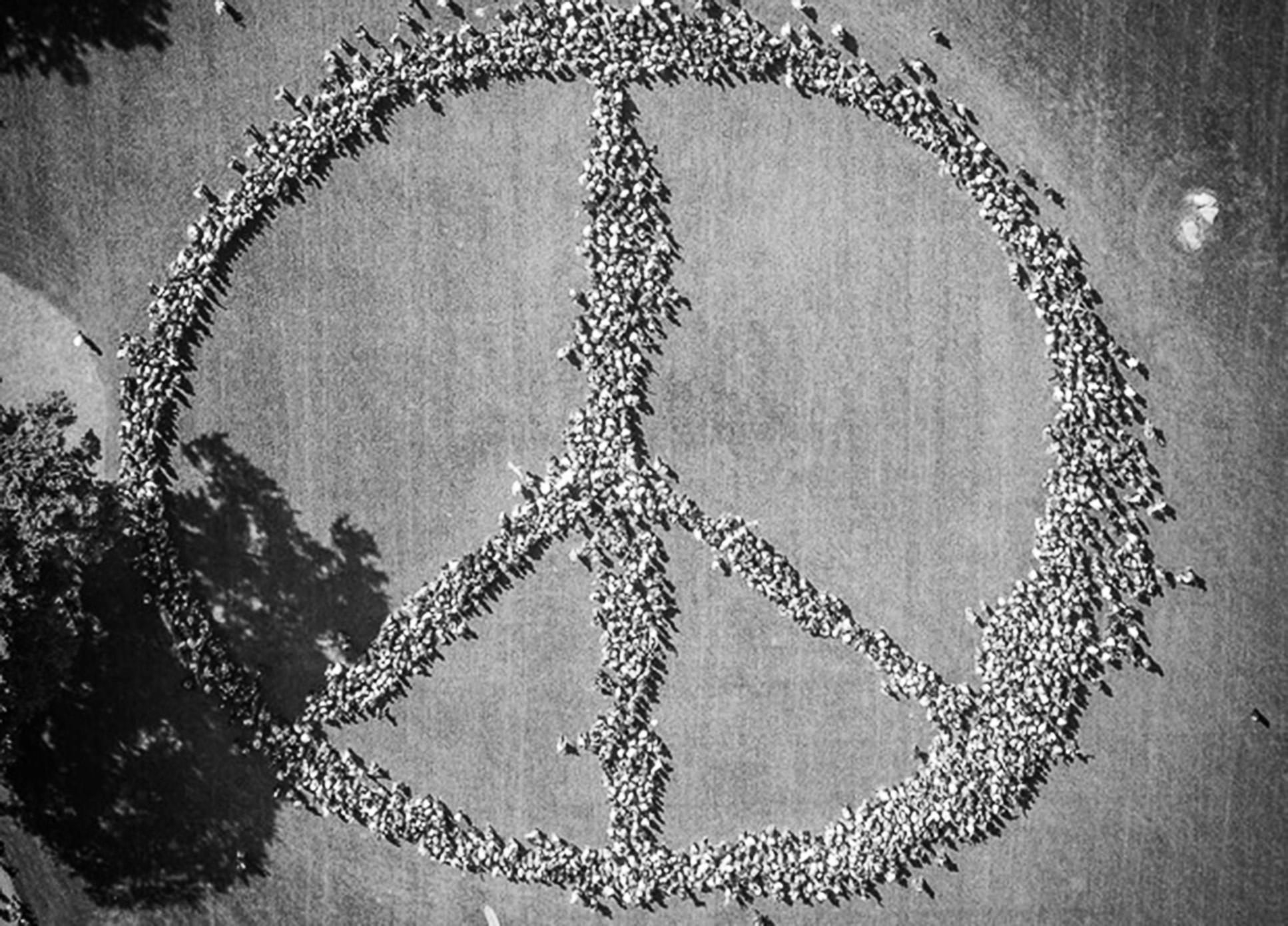 The world remembers john lennon the xavier newswire yoko ono peace sign buycottarizona
